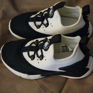 Nike Shoes - Nike Huarache
